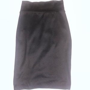 Stretchy high waisted pencil skirt.
